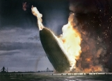 Acidente do zepelim Hindenburg, em 1937 (colorida digitalmente)