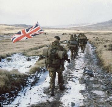Fuzileiros britânicos nas Ilhas Malvinas em 1982