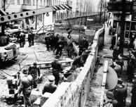 Construção do Muro de Berlim (1961)