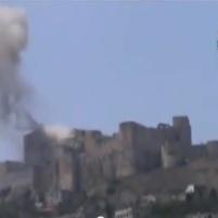 O castelo cruzado Crac des Chevaliers, do século 11, após ser atacado (Síria)