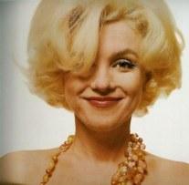 Marylin Monroe posa para a revista Vogue em 1962, na última capa dela antes de morrer