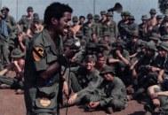 Sammy Davis Jr canta para os integrantes da 1ª Divisão de Cavalaria no Vietnã, em 1972