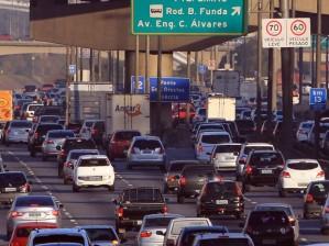 Carros na Marginal Tietê (foto: Werther Santana/Estadão Conteúdo)