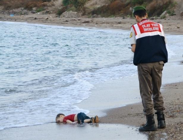 Aylan Kurdi, menino sírio afogado em praia da Turquia (foto: AP)